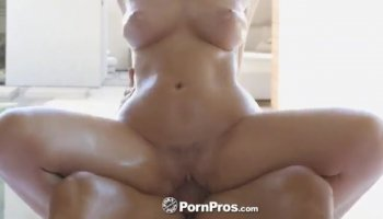 Beauty likes getting her shaved pussy devoured